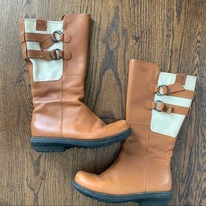 Sorel Boots side Buckle Size 8
